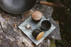 : Swing spice grinder